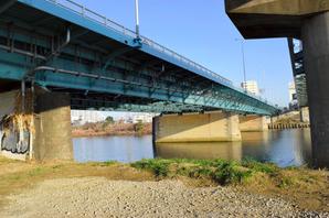 ラップバトルで太田羅月が飛び降りた多摩川大橋の場所はどこ?
